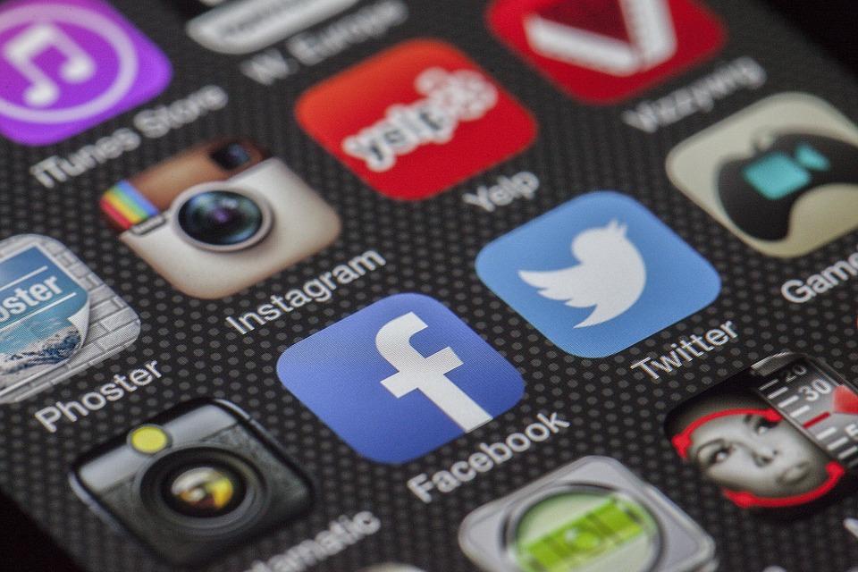 media sosial untuk branding